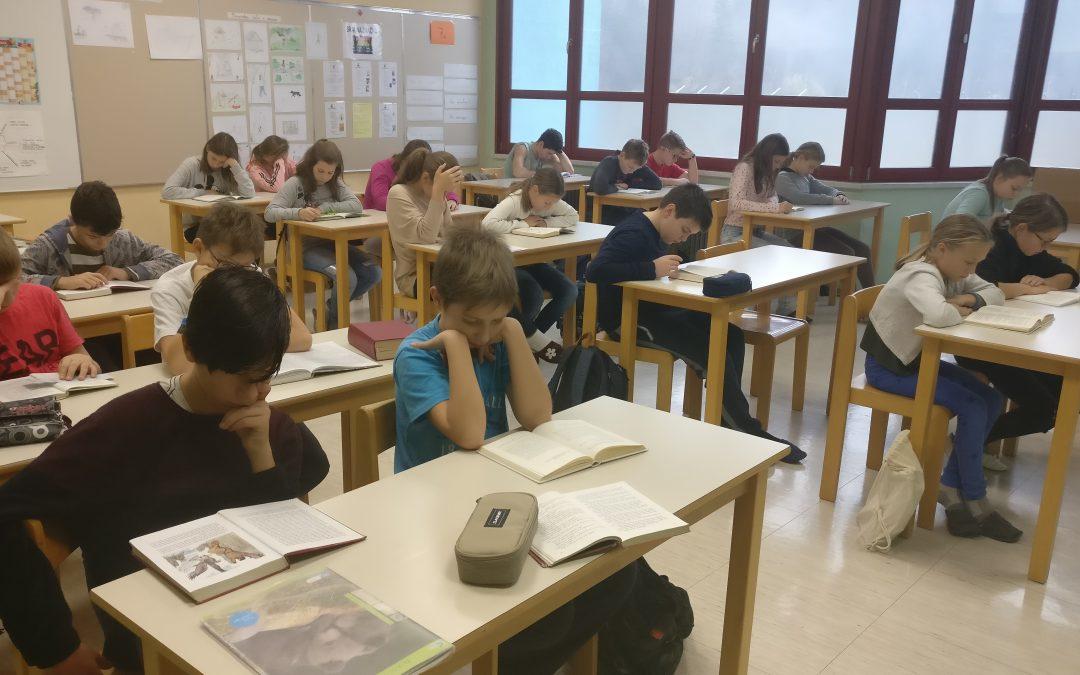 Sedmošolci na kulturnem dnevu v družbi knjige