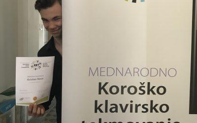 Nace Kristan osvojil srebrno plaketo na mednarodnem klavirskem tekmovanju